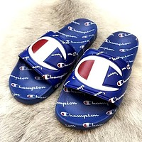 Champion full-print letters for men and women, non-slip indoor and outdoor wear beach sandals Blue