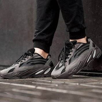Adidas Yeezy 700 v2 old shoes breathable coconut shoes men and women casual sports shoes
