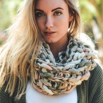 Rosy Braided Snood
