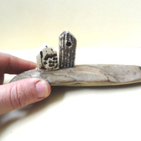 Ceramic miniature of two rustic houses, ceramic sculpture, on Mediterranean driftwood, gift for him, for the office, housewarming gift