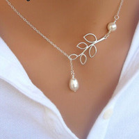 Leaves Pearl Silver Chain Necklace
