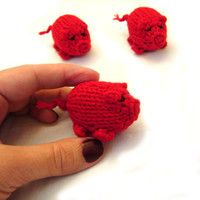 Piggy Valentine, red knitted baby toy, little pigs stuffed toy, handknit toy, party favor, decoration