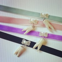 Sweet Tooth Choker | NECKLACE