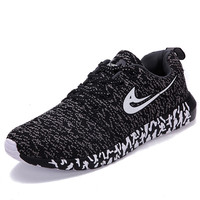 2017 New light weight mesh sports shoes Trendly jogging sneakers for woman and man Autumn flat walking trend table tennis shoes