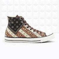 Converse Chuck Taylor Canvas Flag Trainers - Urban Outfitters