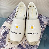 DIOR New Women Casual Canvas Cute Daisy Embroidery Flat Single Shoes Fisherman Shoes