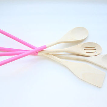 Set Of 4 Pink Hand Painted Kitchen Wooden Tools / Wooden Spoons / Basting Spoons / Slotted Spoon / Turner / Pink Spoons