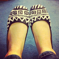 Black and White Tribal Flats