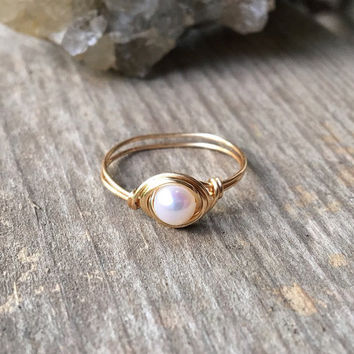 Freshwater pearl ring, Freshwater pearl jewelry, white pearl ring, gold ring, gold pearl ring, wire ring, wire wrapped ring, pearl ring,boho