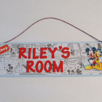 Personalized Mickey Mouse and Pluto Name Sign - Light Blue Disney Mickey Mouse and Pluto Room Decor