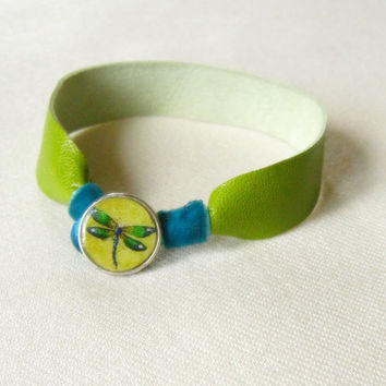 Green Leather Bracelet, women's leather bracelet, leather cuff