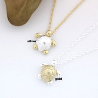 Tiny Turtle pendant necklace in gold / silver
