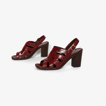 Vintage 70s Burgundy Heels / 1970s Woven Leather Chunky Heel Sandals 8