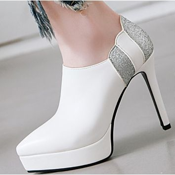 Deep mouth pointy stiletto heel is versatile shoes