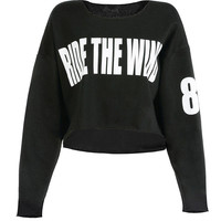 """""""Ride The Wind"""" Letter Print Cropped Top in Black"""