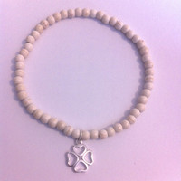 Lucky clover and howlite beaded stretch bracelet   Good luck jewellery   Sterling silver charm bracelet   Stacking bracelet   layer bracelet