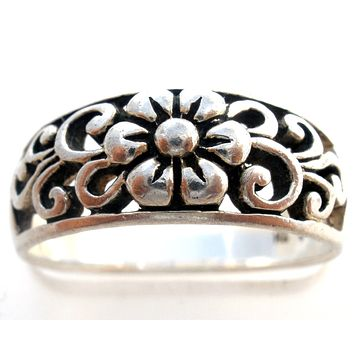 Sterling Silver Flower Band Ring Size 6.5