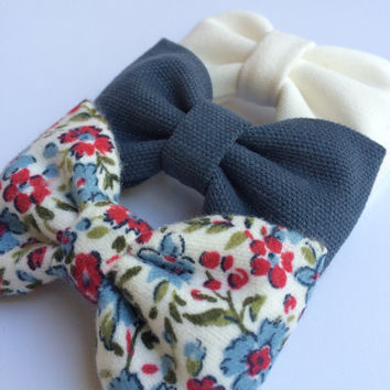 Winter white, textured blue, and new floral flannel bow lot for fall.  Seaside Sparrow hair bows make the perfect gift.