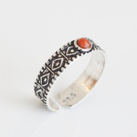 925 Toe Ring with Coral Stone