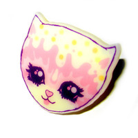 Vintage Cream Cat Ring  Pink and Purple Kawaii by roxiesweetheart