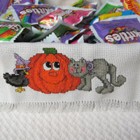Cross Stitch Bread Cloth Halloween Pumpkin and Cat 14-Count 18 X 18