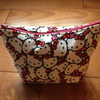 Hello Kitty small accessory bag with zipper closure