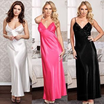 Ladies One Size Long Luxurious Backless Lace Nightgown