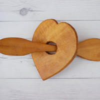 Vintage Wood Hand Carved Heart and Arrow Wall Hanging | Primitive Rustic Farmhouse Folk Art