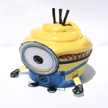 Despicable Me 2  Inspired Minion Cupcake Wrapper by Shnookers