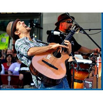 Jason Mraz Singing 8x10 photo