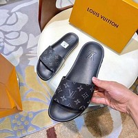 Louis Vuitton LV men and women Cloth slippers-7