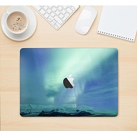 """The Glowing Northern Lights Skin Kit for the 12"""" Apple MacBook (A1534)"""