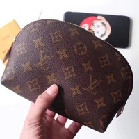 LV tide brand female makeup bag zipper clutch bag Messenger bag
