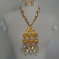 Stunner BIG Dangle Drop Pendant Baroque Pearls Imitation Pearl Waterfall Goldtone Double Strand Chain Necklace Earrings Set Etruscan Jewelry