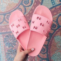 GUCCI new hollow men and women casual slippers