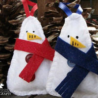 Felt snowman ornament, hand-sewn glitter felt snowmen, handmade gift tags, snowmen with scarves, rustic ornaments, christmas, winter