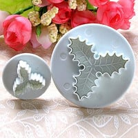 Christmas Kitchen Tools 2Pcs/Set Holly Leaf Cake Cookie Sugarcraft Fondant Decorating Plunger Cutters Mould Bakeware Tools