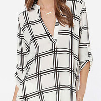 White Plaid Print V-neck Half Sleeve Blouse