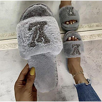 Louis Vuitton Lv Hot-Selling Plush Slippers Trendy Shiny Logo Fashion Ladies Plush Slippers Shoes
