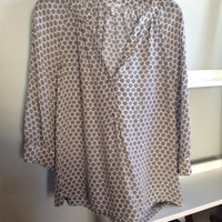 Joie Silk Gray And White 3/4 Sleeve Blouse