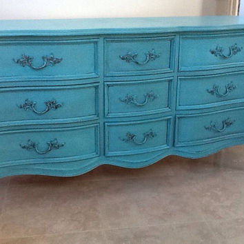 Vintage French Provincial dresser by Dixie