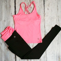 FIT SOCIETY WORKOUT SET IN NEON PINK