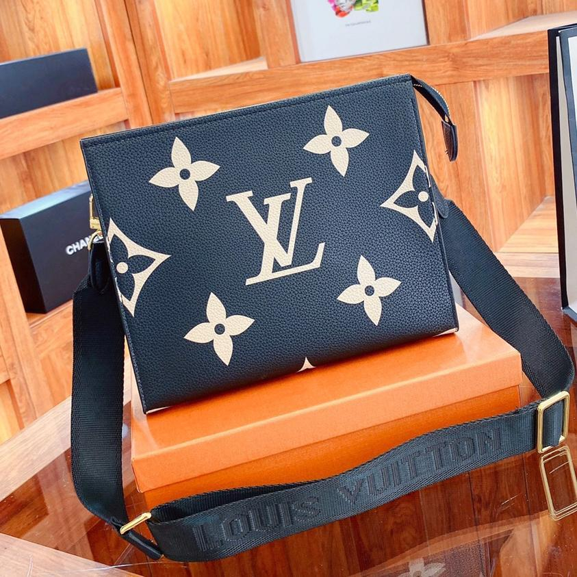 Image of LV Louis Vuitton By the Pool Women's Shoulder Messenger bag