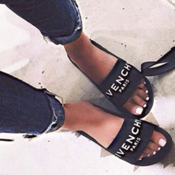 GIVENCHY PARIS  andals Comfortable Loose Slippers(3 color)