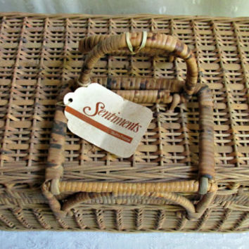 Rectangle Wicker Handled One Lid Picnic Basket Crafts Sewing Storage Vintage Rustic Primitive Decor