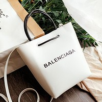 Balenciaga 2019 new women's versatile simple shoulder bag Messenger bag White