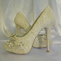 Twinkle Toes vintage lace wedding shoes 5 by everlastinglifashion
