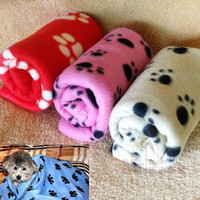 New Comfort Cute Pet Dog Cat Puppy Paw Prints Couture Cloak Blanket Mat Sheet = 1930014724
