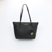 Michael Kors Jet Set Leather Medium Tote