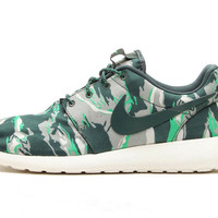 "Nike Roshe Run ""Green Tiger Camo"""